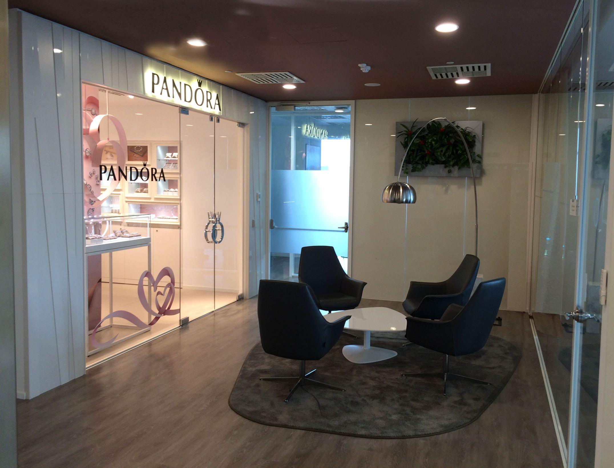 Uffici Pandora Milano | The Yellow Door